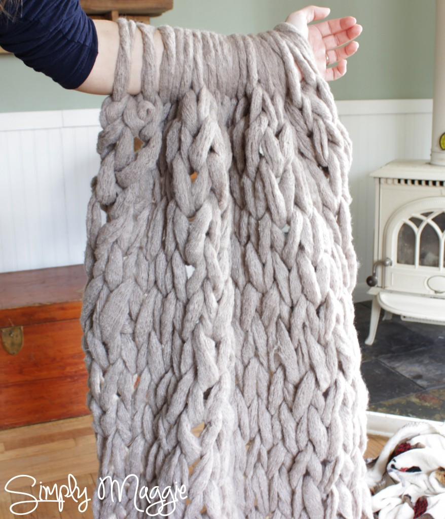 DIY Arm Knit Blanket