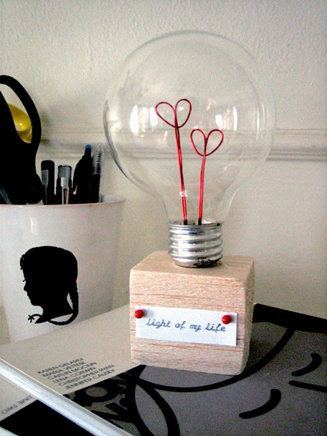 DIY Project Valentine Lightbulb