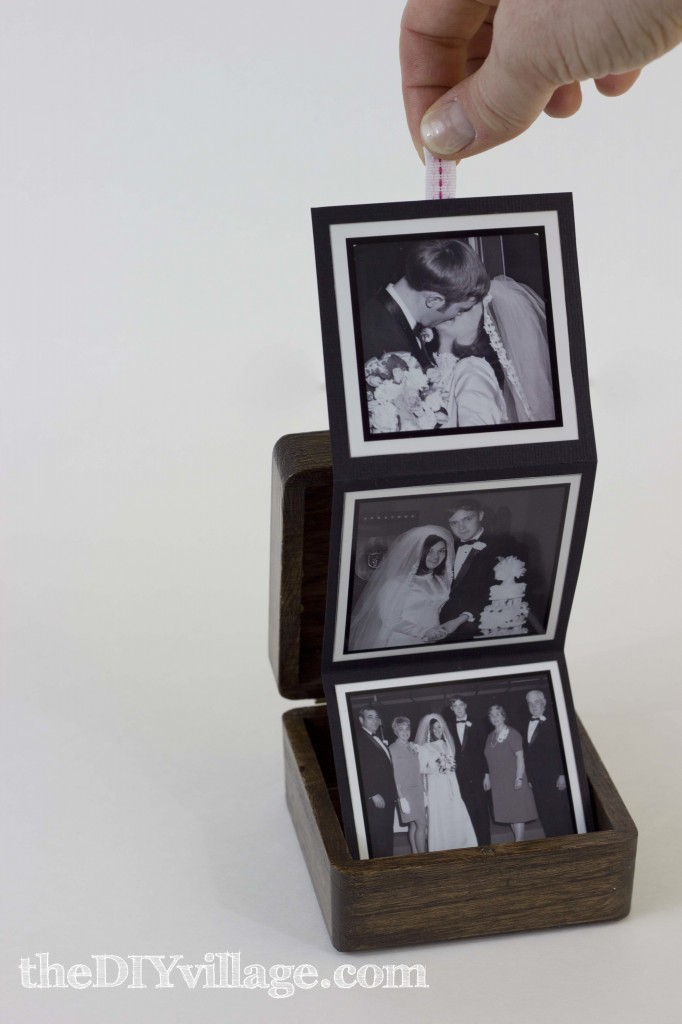 Pop-Up Photo Box