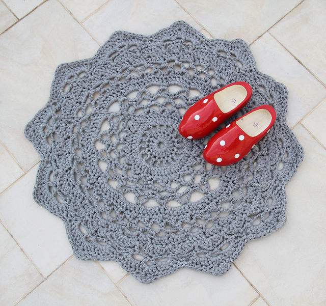 16 DIY Rug Patterns With Tutorials