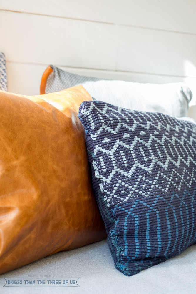 DIY Woven Pillow In 5 Minutes