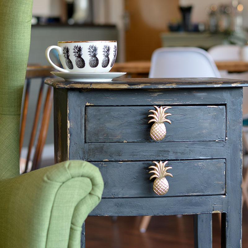 DIY Pineapple Stenciled Table