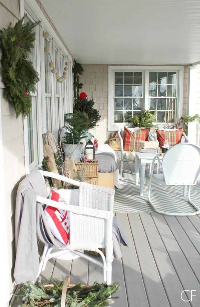 Cozy Farmhouse Porch Decorating
