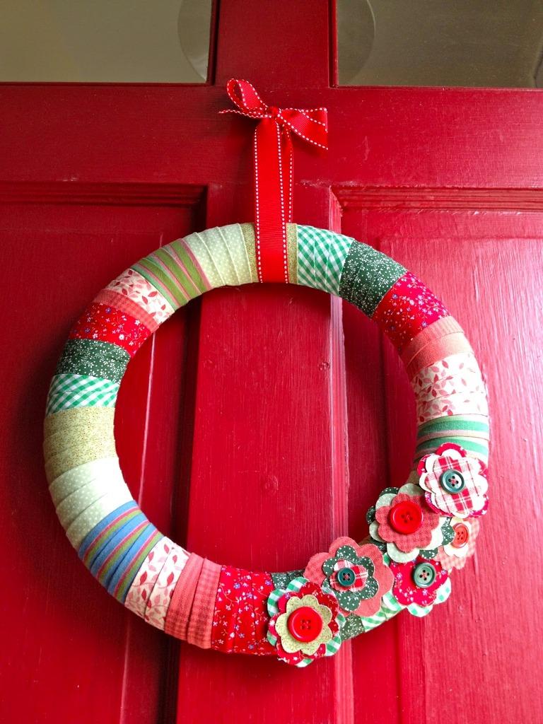 Polka Dotted Wreath