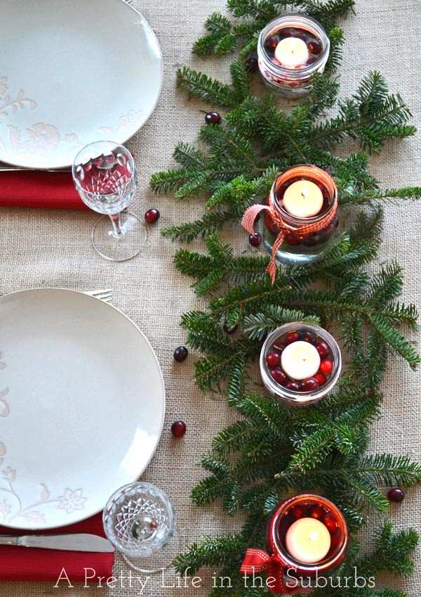 Simple And Pretty Christmas Centerpiece
