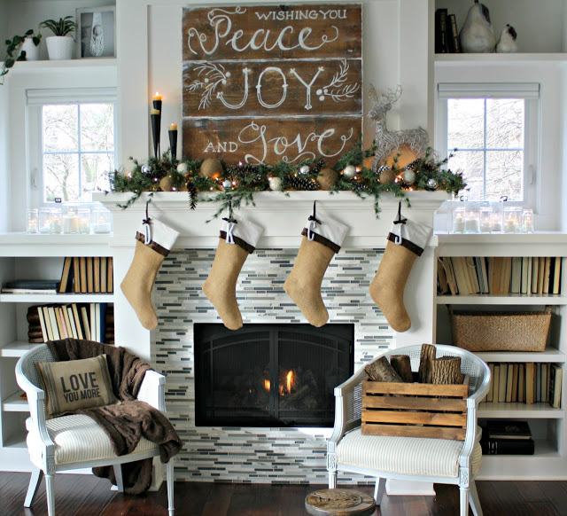 Mantel Decor With Sign Board