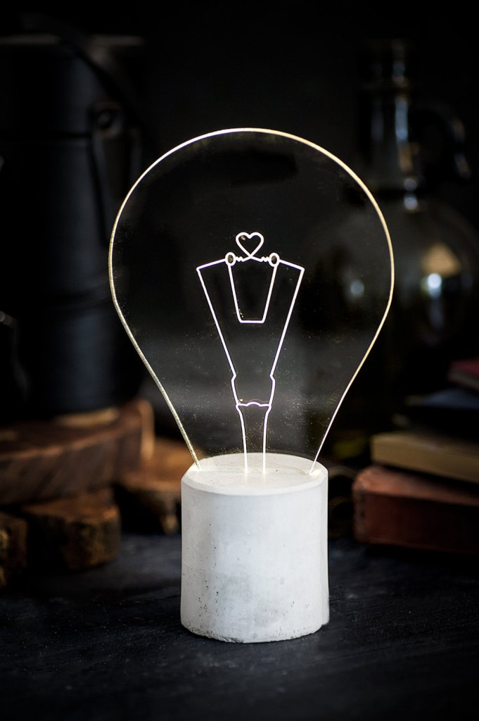 Heart engraved concrete lamp