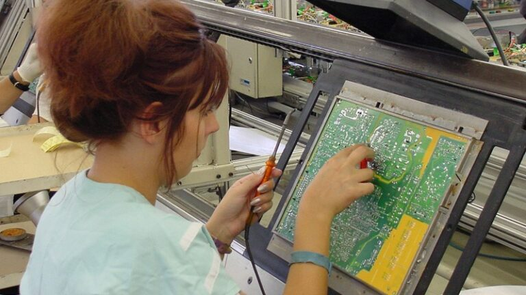 Leading Industry in Circuit Board Manufacturers