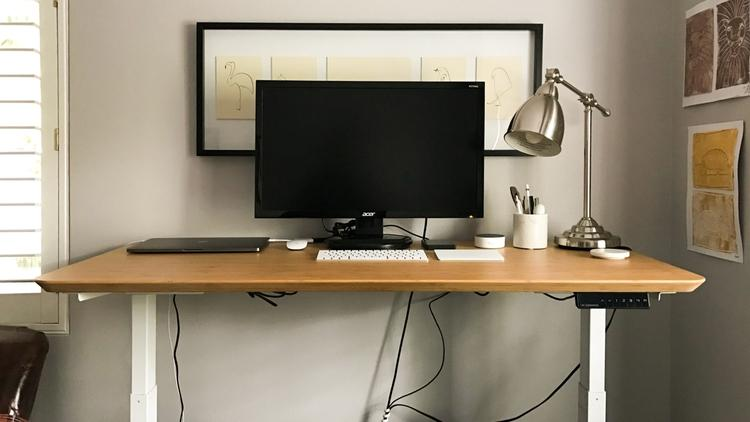 How to Make your own Standing Desk – DIY with 9 easy steps!