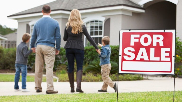 When the Clock is Ticking: 5 Ways to Sell Your House