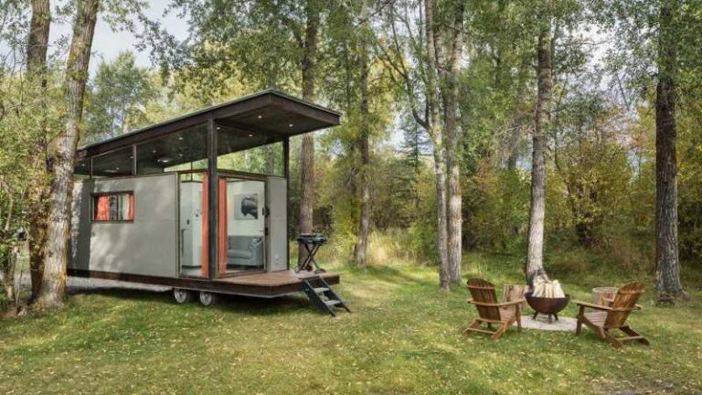 The Beginner's Guide To Living Off Grid In A Tiny House