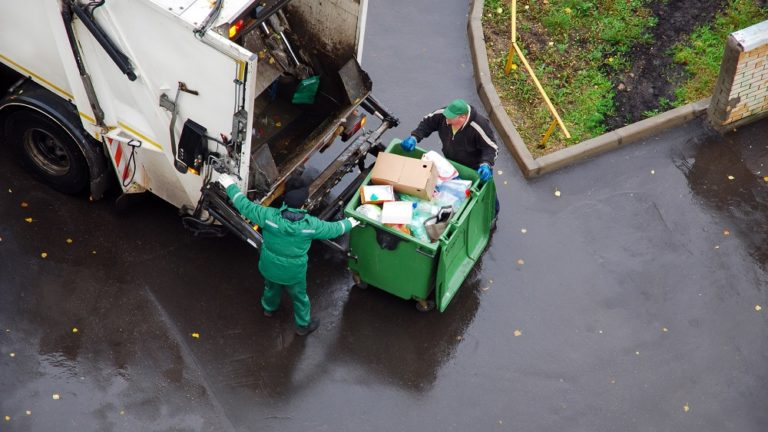 4 Ways To Dispose Of Household Waste